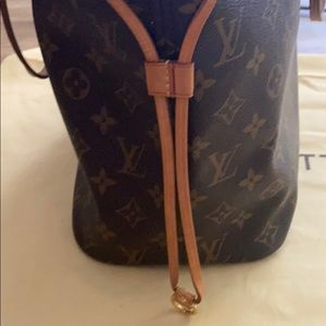Louis Vuitton Bags - Authentic Louis Vuitton Neverfull MM